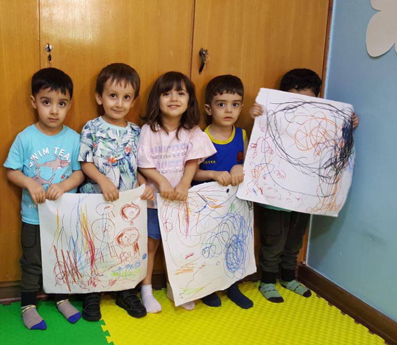 نقاشی و خلاقیت در مهد کودک آوای چکاوک